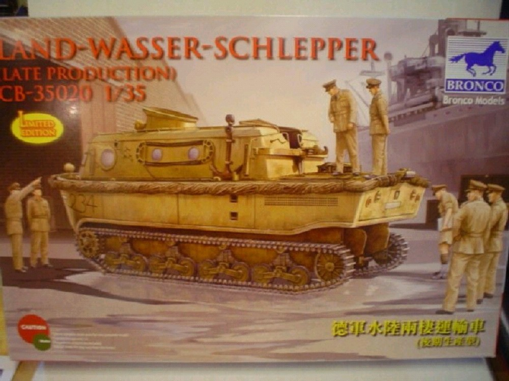 Bronco Models Cb35020 Landwasserschlepper (late Production) in 1:35
