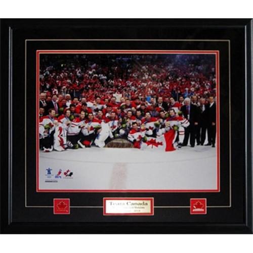 Midway Memorabilia Team Canada 2010 Mens Hockey Gold Medal 16X20 Frame