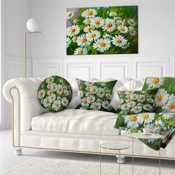 Designart 'Heavily Textured Daisies Art' Floral Throw Pillow (Round - 16 Inches Round - Small)